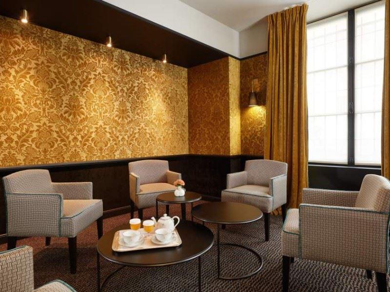 Pavillon De La Reine Restaurant